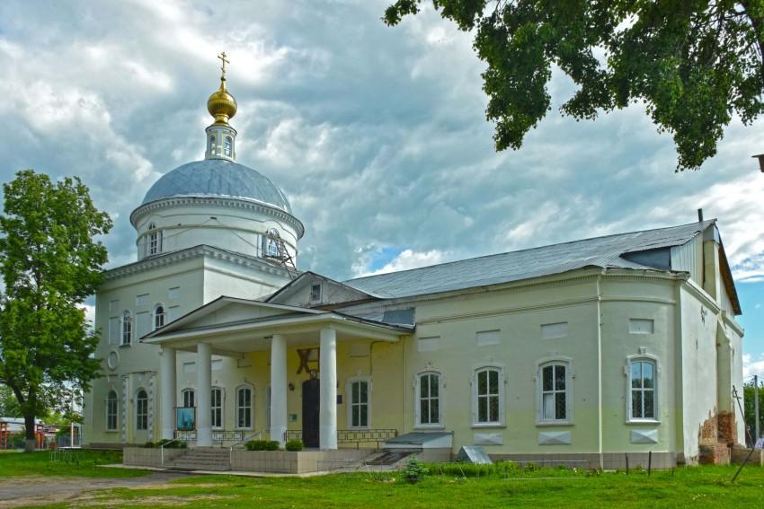 Преображенский храм Белоомут